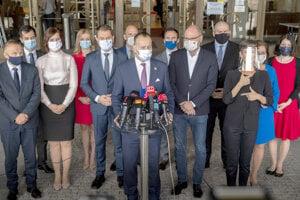 The ruling coalition of OĽaNO, Sme Rodina, SaS and Za Ľudí