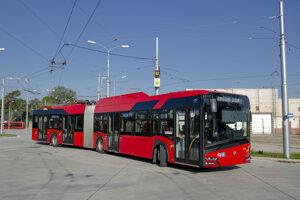 Bratislava borroved the hybrid trolleybus from the Czech city of České Budějovice for a week.