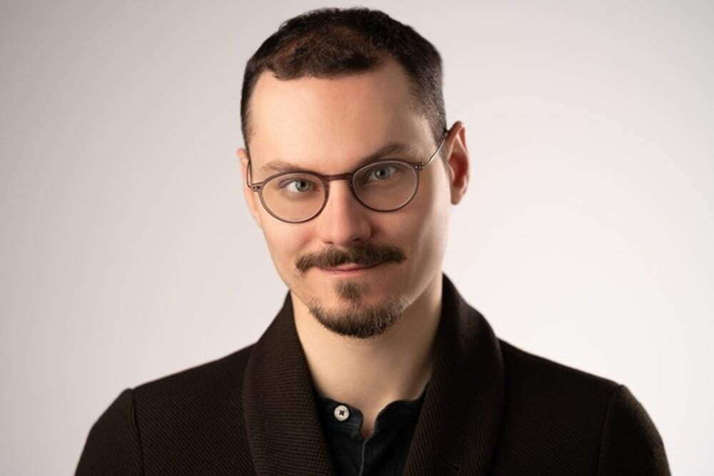 Adam Holoubek