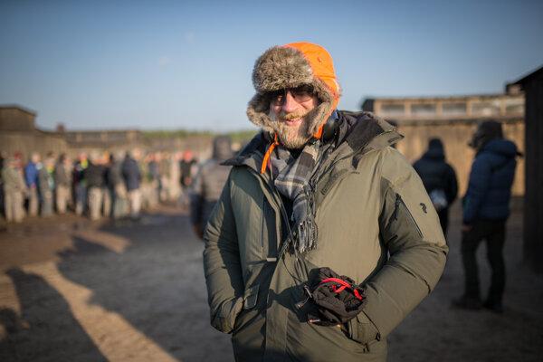 Director Peter Bebjak on the scene