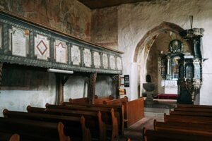 Frescoes in the Rimavská Baňa church.