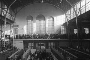 A rare photo of the interior of the Old Market Hall from the 1950s.