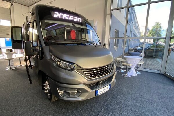 The first Slovak prototype hydrogen bus was manufactured by Rošero P in cooperation with the Technical University in Košice.