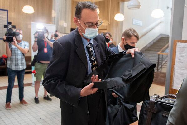 Dobroslav Trnka at court