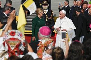 Pope Francis and Slovak President Zuzana Čaputová.