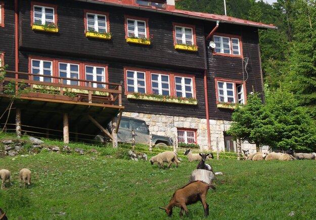 The Chata pod Suchým mountain hut.