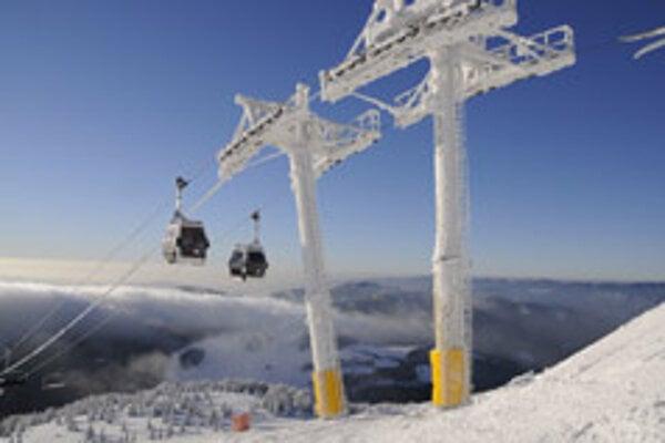 Forecasts promise snow; tourists are impatient