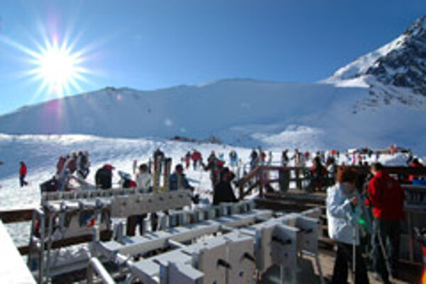 Lomnické Sedlo is repeatedly a site for excellent skiing conditions.