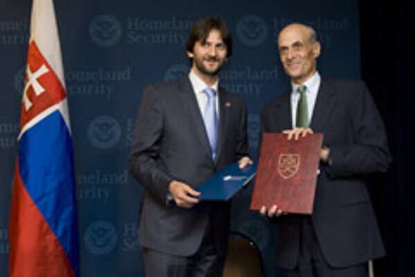Robert Kaliňák (left) and Michael Chertoff in Washington, DC.
