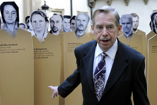 Václav Havel, a former dissident, also signed  the declaration.