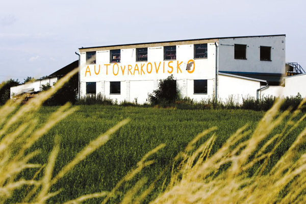 The buyers of Bátorfi's land own a vehicle wrecking yard.