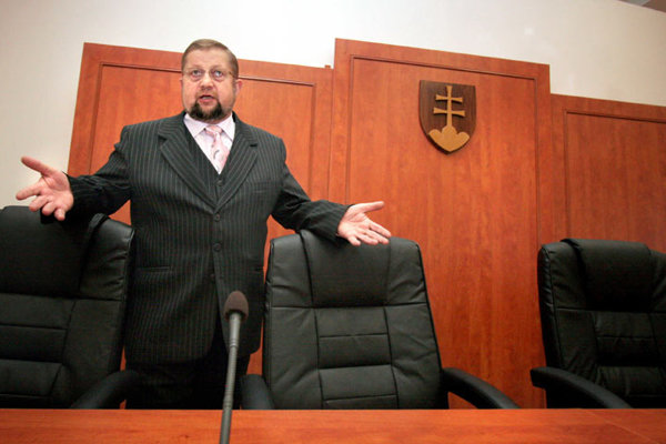 Štefan Harabin denies any violation of the rules.