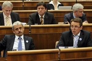 The opposition felt the tyranny of the majority, IVO said.