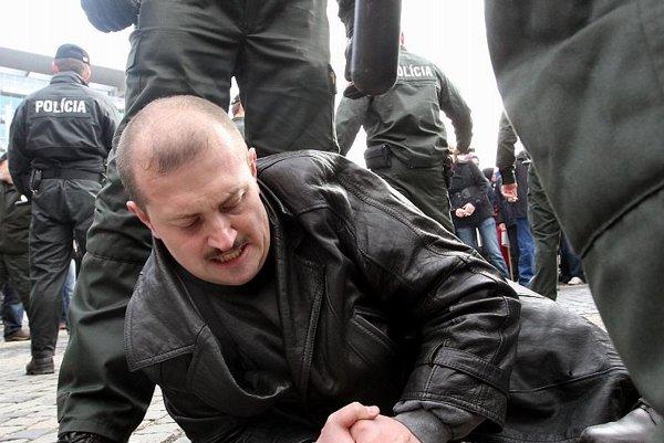 Marián Kotleba was detained for a Nazi salute