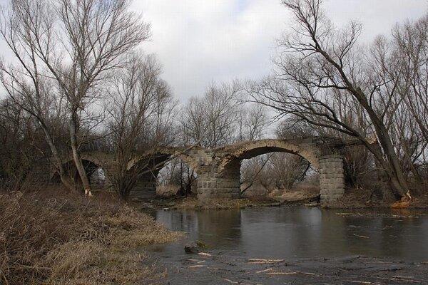 Remains of a bridge over the Morava River.