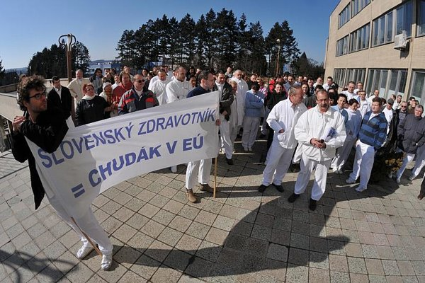 Doctors in Prešov joined the March 9 protest.