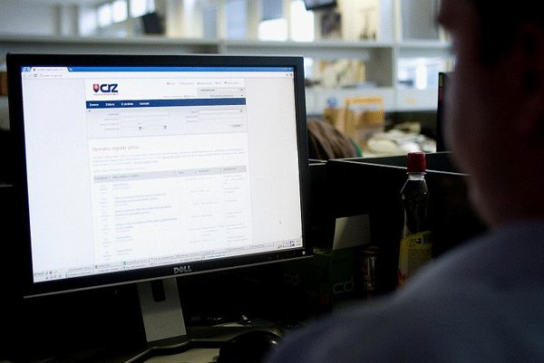 Contracts published in the central register are hard to access, say NGOs.