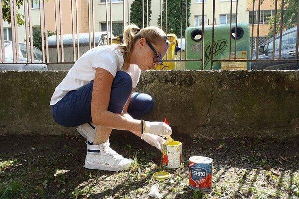Volunteering by employees .