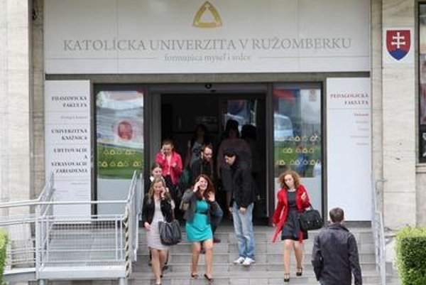 The poll showed that as many as 73 percent of Slovaks trust educational institutions.