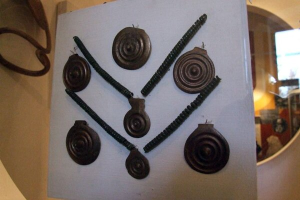 Mycenaean-pattern bronze treasures were found in 1961 and date back to 1500 BC.