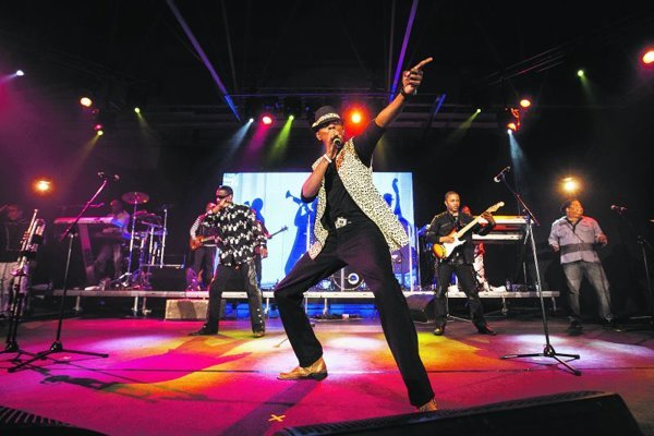 Kool&the Gang performing at the BJD.