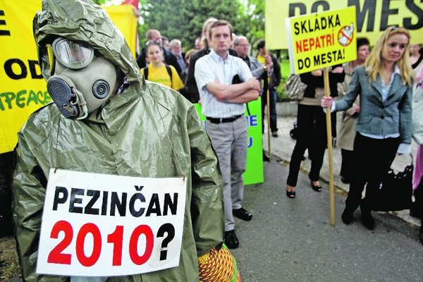 The inhabitants of Pezinok have organised several protests against the landfill