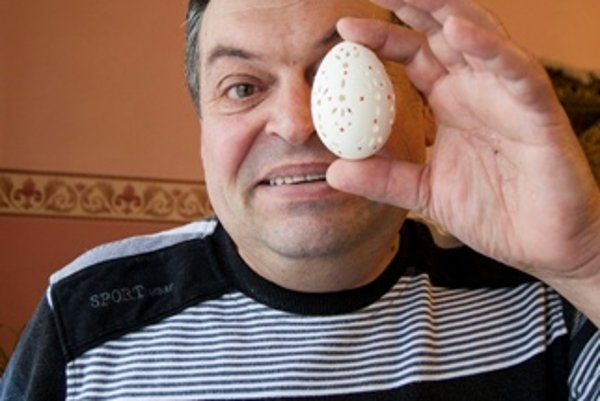 Dezider Kremmer, winner of the Bíňa egg festival.