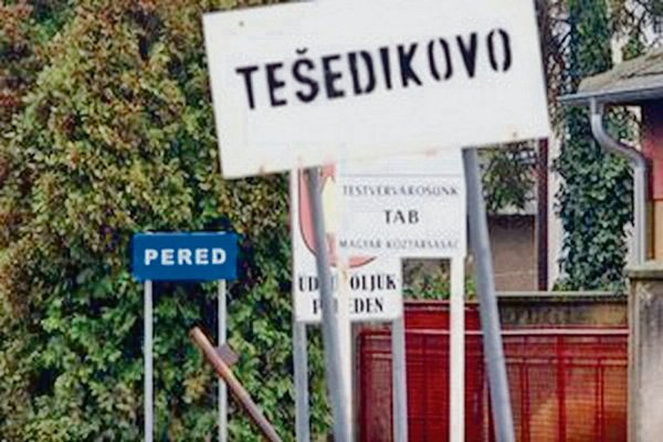 Tešedíkovo officially remains Tešedíkovo.
