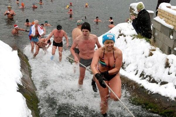 Winter swimming in Motyčky.