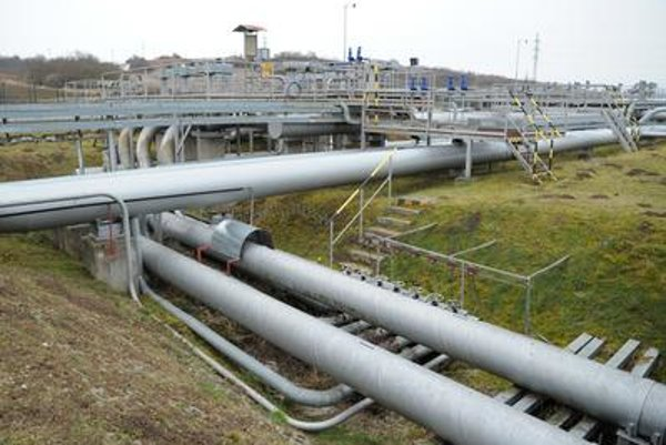 The modernised Slovak-Hungarian section of the crude oil pipeline Adria was opened.
