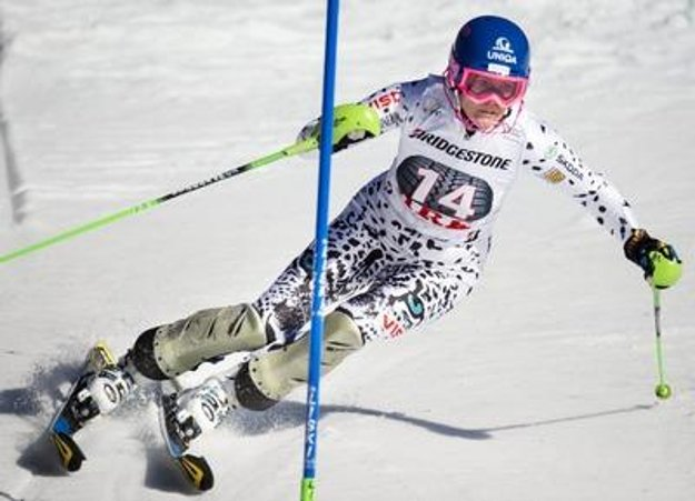 Velez-Zuzulová competes in Aare.