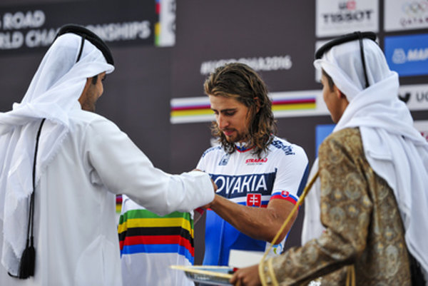 Peter Sagan receives golden medal in Doha, Qatar.
