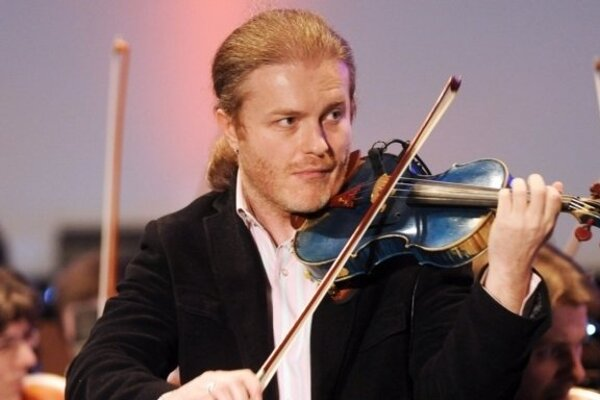 Pvael Šporcl will play with Slovak Sinfonietta (ŠKO)