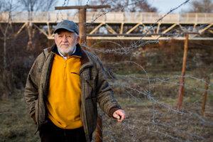 Alexej Zlocha remmebers the life in communism, in border area.