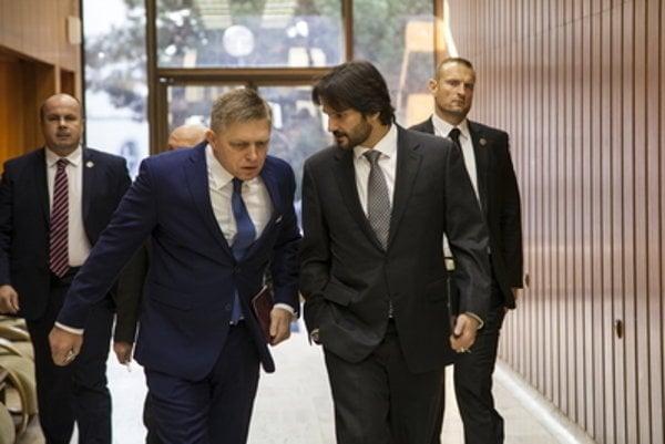PM Fico (L) and Interior Minister Robert Kaliňák agreed on Mečiar amnesties.