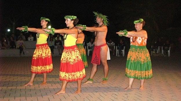 Traiditonal and modern Hawaiian dances will be performed.