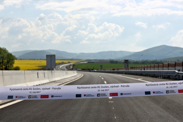 The ceremonial opening of R2 express double-carriageway section Zvolen-Pstruša