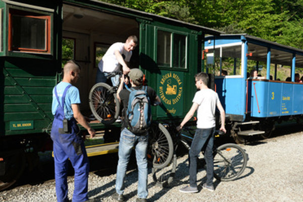 On speicla occasions, bicycles were also allowed onboard the historical trains.