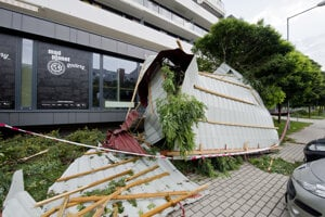 A roof from a building in Bratislava-Rača, during storm on August 10.