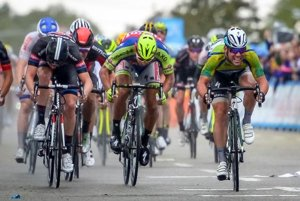 Mark Cavendish (UK, R) wins the fifth stage of the Tour of California cycling race in Santa Clarita May 14. Belgium's Zico Weaytens, left, was second, and Slovak Peter Sagan, center, took third.
