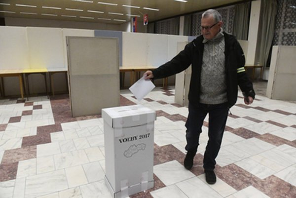 In November, municipal elections take place in Slovakia and foreigners with permanent residence can vote too.