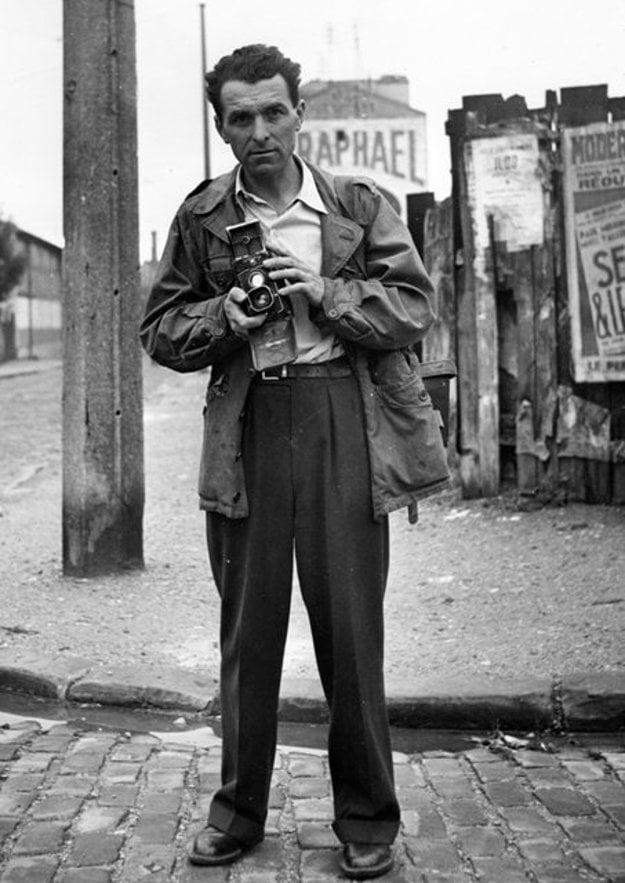 R. Doisneau, Self-portrait