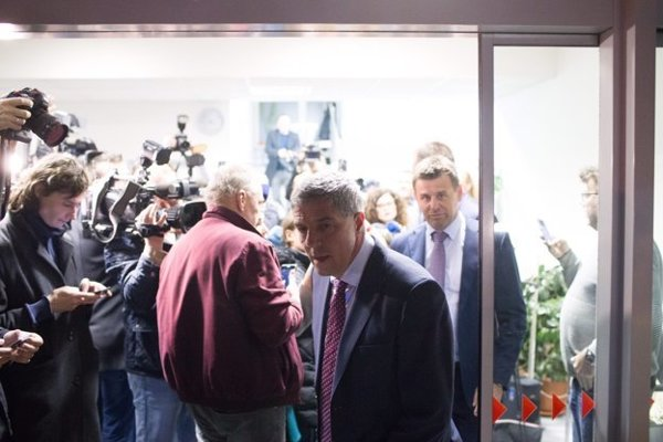 Bela Bugar leaves amid talks of his party leadership to talk to his coalition partners.