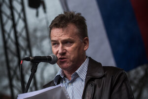 Farmer František Oravec speaking at tthe April 15, 2018 protest in Bratislava.