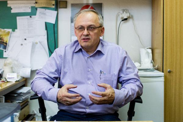 STU professor Pavel Alexy