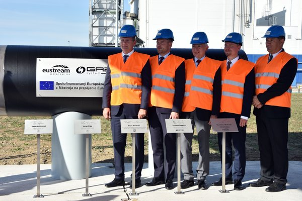 Ceremonial launch of the construction of the Slovakia-Polish gas interconnector.