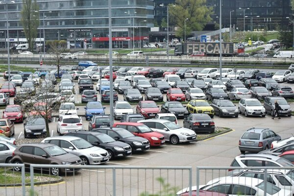 To find a free parking is a problem in many parks of Bratislava.