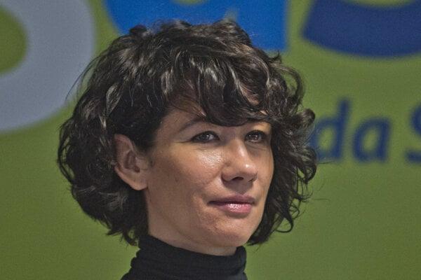 Lucia Nicholsonová of SaS