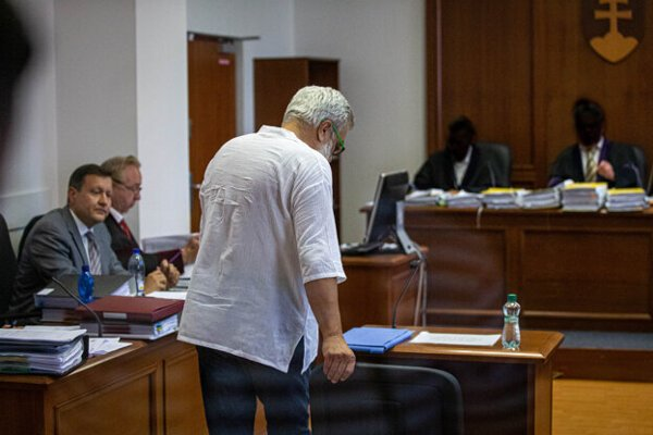 Kočner's business partner Štefan Agh appears in court.