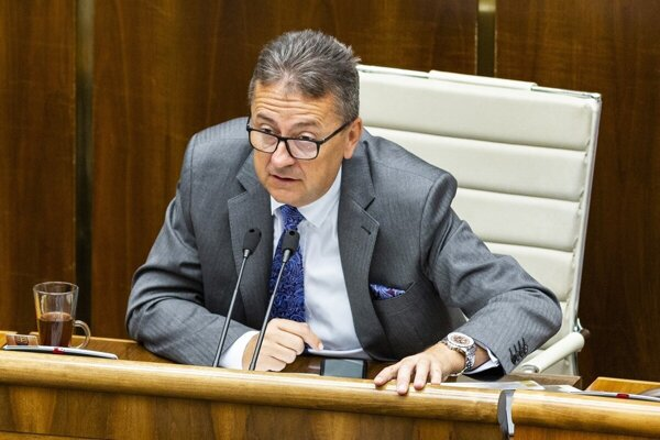 Deputy Speaker Martin Glváč (Smer)